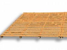 All-In Sport: aus Holzbohlen und Holzlatten, imprägniert, mehrteilig.