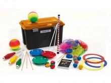 All-In Sport: <ul> <li>3 jongleerringen 32 cm</li> <li>3 balanceerborden met stokken</li> <li>6 jongleerdoeken</li> <li>3 kinderknotsen</li> <li>1...