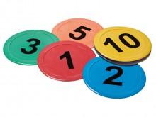 All-In Sport: Met deze getallen- en letterschijven zijn op een uitstekende wijze het lezen en rekenen te combineren met bewegingsopdrachten. Zo kan bij...