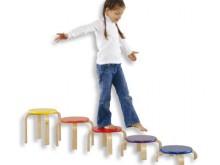 All-In Sport: Ervaar spelenderwijs het gevoel van hoogtes en afstanden per 5 cm tot naar 30 cm hoogte. De 4-potige krukjes maken ook het vrij en ongedw...