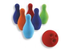 All-In Sport: Materiaal: rubber, gecoat. Met deze set hebben niet alleen grotere kinderen lol, maar ook al de kleintjes. Inhoud: 6 Pins en 1 bal.