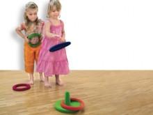 All-In Sport: Het werpspel bestaat uit 4 rubber werpringen, die bevlokt zijn en een doelpaal. Met doelgericht werpen, behendigheid en coördinatie, moet...