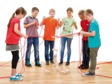 All-In Sport: Team- en coördinatiespel voor 2 tot 24 spelers. Snel en simpel te spelen - zonder ingewikkelde voorbereiding en/of opbouw. Het vormen van...