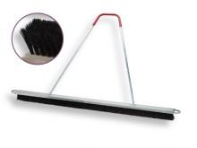 All-In Sport: Werkbreedte 200 cm, 4 uitwisselbare bezemelementen in aluminium frame geschroefd, aan beide uiteinden met beschermbeugels, zodat de bezem...