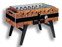 All-In Sport: De luxe tafelvoetbaltafel, die elk tafelvoetbalhart sneller laat slaan. Tot de omvangrijke uitrusting van dit model behoren een tafelafde...