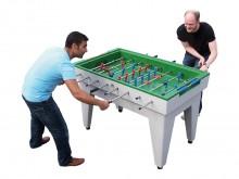 All-In Sport: Van vorst- en weerbestendig Polymerbeton. Glad speeloppervlak, kleur groen met ingelegde speelveldindeling. Hard-kunststof poppen op 16 m...