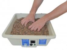 All-In Sport: <b>De Zandbox Dani is een kunststof bak, die met speciaal therapiezand gevuld wordt. aansluitend wordt het zand in de zandbox verwarmt.</...