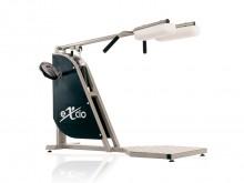 All-In Sport: Dit toestel bewerkstelligd een buig- en strekbeweging van de benen in staande positie in een gesloten kinetische ketting. De concentrisch...