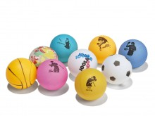All-In Sport: 9 bonte ballen Ø 4 cm, met opdruk van spelersmotieven. Set van 9 stuks.