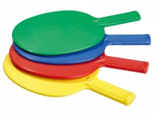 All-In Sport: Vier weerbestendige, makkelijk speelbare batjes van kunststof in vier verschillende kleuren.