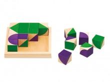 All-In Sport: De mooie, intense kleuren groen en paars zorgen in combinatie met het glanzende beukenhout en de geometrische vormen (vierkant, driehoek,...