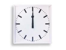 All-In Sport: quadratisch,einseitig<br />Gehäuse: weißes Aluminium <br />Zifferblatt: weiß mit schwarzen Stunden-/ Minutenanzeigen<br />Zeiger: schwarz...