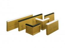 All-In Sport: Van Polymerbeton met polsterrand van rubber. Bouwhoogte: 30 cm, bouwbreedte 6 cm. (incl. 4 hoekstukken voor eenvoudige inbouw).