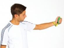 All-In Sport: Deze veelzijdige trainer is op de eisen van aquatraining afgestemd. De extra armbanden zorgen voor een goede houvast in de hand. Met het ...