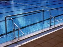 All-In Sport: Voor waterpolodoel-badrandbevestiging, 10 cm lang, 42 mm binnendoorsnede, deksels wegklapbaar.