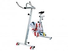 All-In Sport: De veelzijdige inzetmogelijkheden maken de Aquafitness Bike tot het ideale trainingsapparaat voor groepslessen, therapie en revalidatie. ...