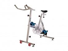 All-In Sport: De SharkBike Compact kan al bij een waterdiepte van 115 cm gebruikt worden. De lage instap maakt het voor personen met bewegingsbeperking...