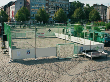 Streetsoccer-Courts Mobiel