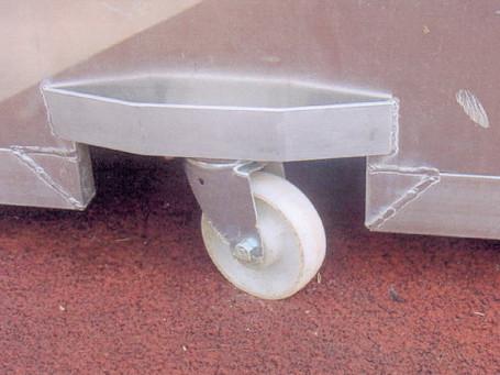 Verlaagbare wielen voor aluminium afdekking polsstokspringen