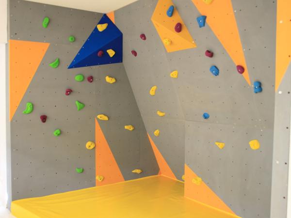 Indoor Boulderwand bei Kübler & Binder Sportgeräte